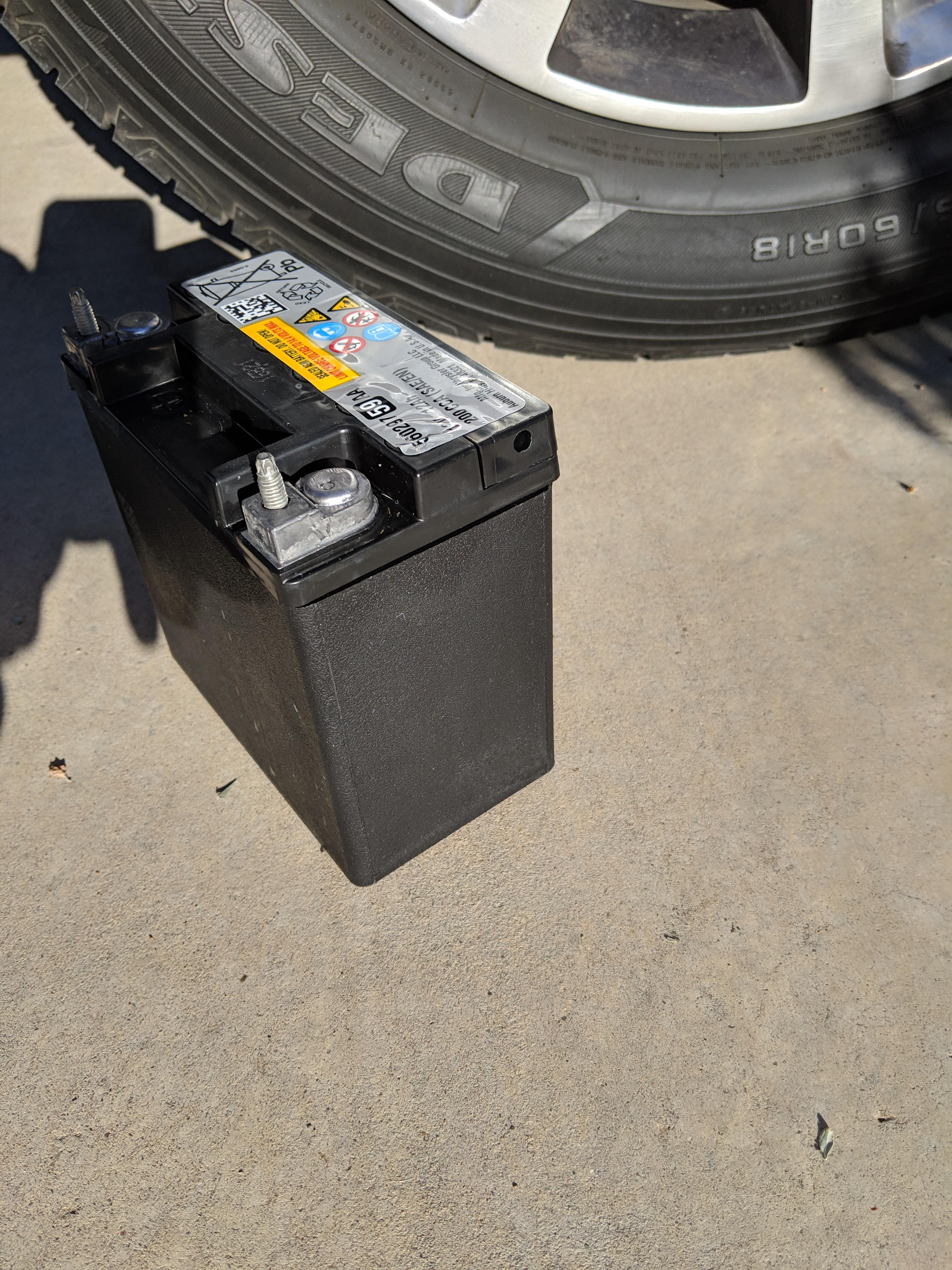 Motorcycle style battery along with normal one?-img_20190325_170317_1553634912963.jpg