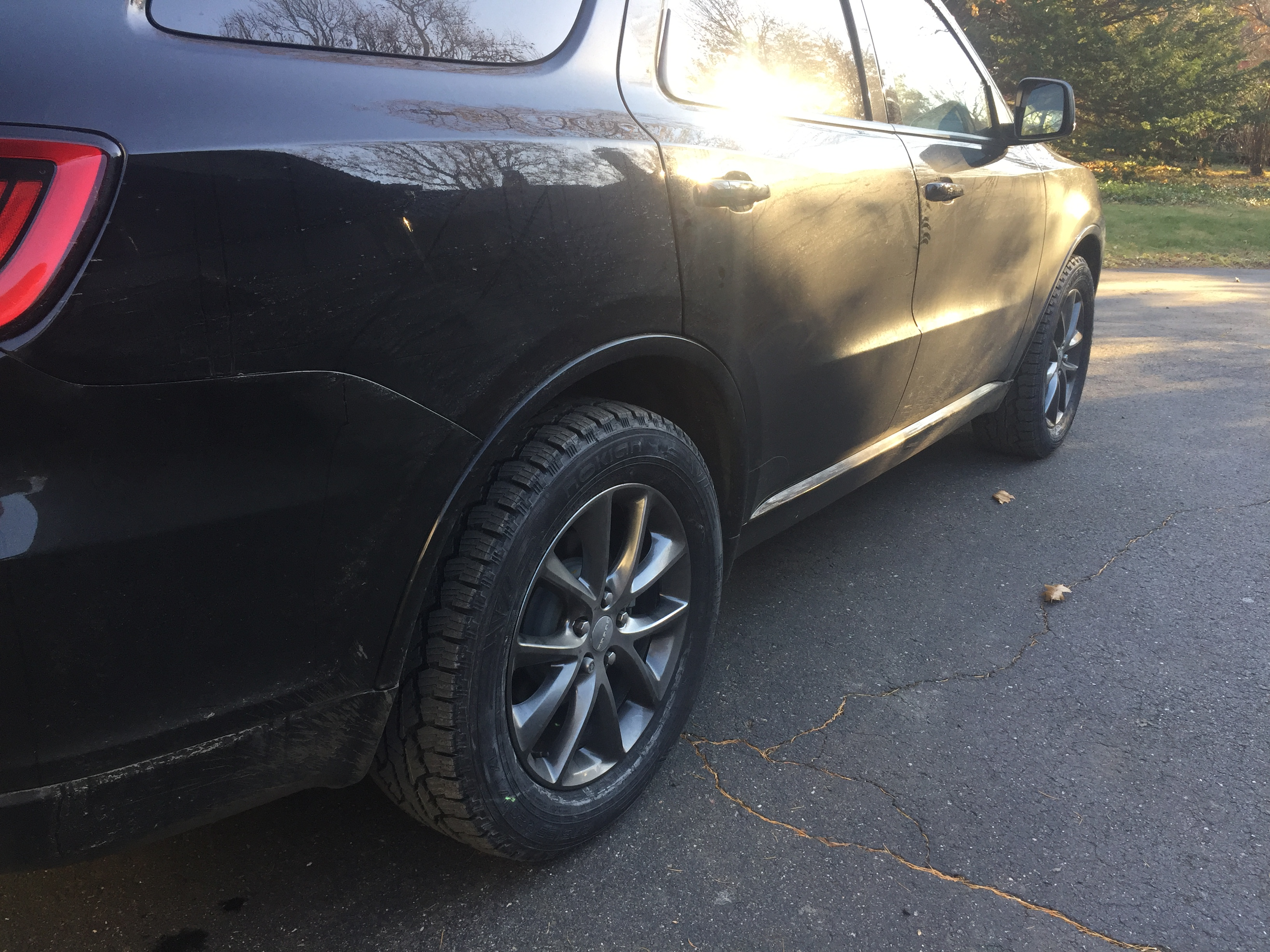 D Nokian Rotiiva Stock Gt Rims Img on 07 Dodge Durango