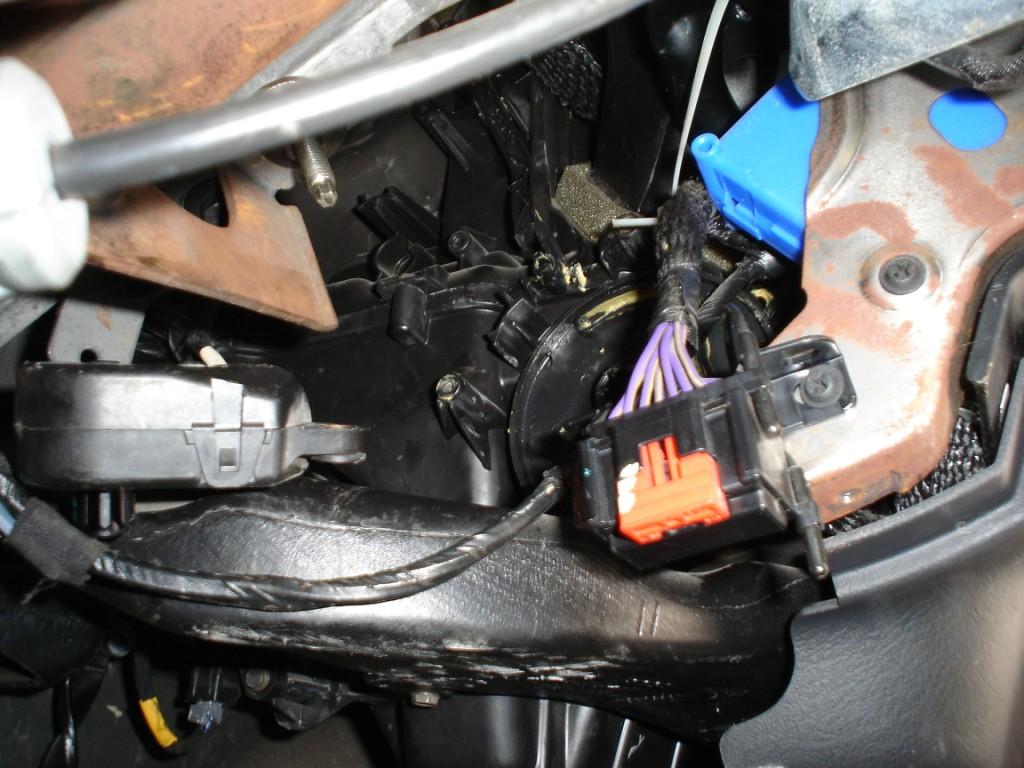 how to change door actuator on 2004 dodge caravan