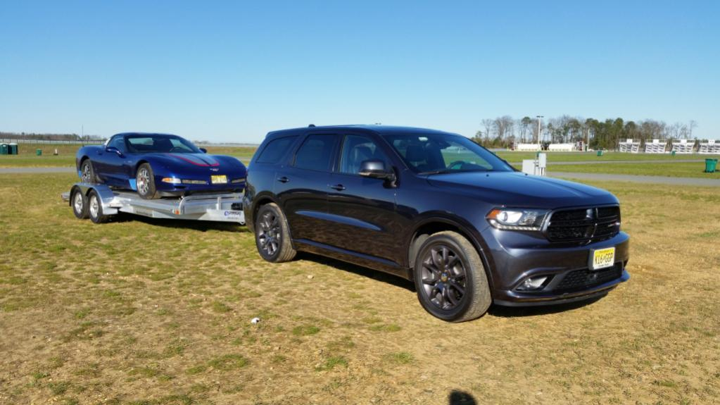 Let's see those Durango towing pics!-trailer-1.jpg